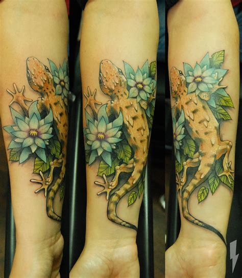 tattoo parlour dundee oh my gosh bookbag or dundee with these flowers awesome
