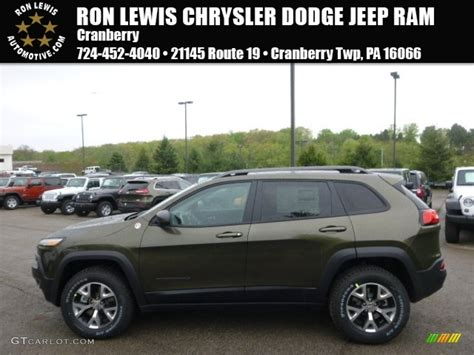 jeep cherokee trailhawk green 2014 eco green pearl jeep cherokee trailhawk 4x4 93605246