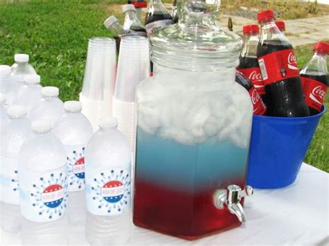 4th of july backyard party ideas clever 4th of july party ideas reader s digest