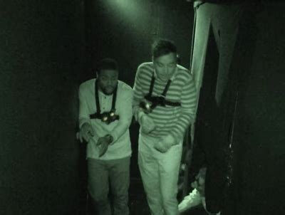 kevin hart haunted house hilarious jimmy fallon and kevin hart visit haunted house