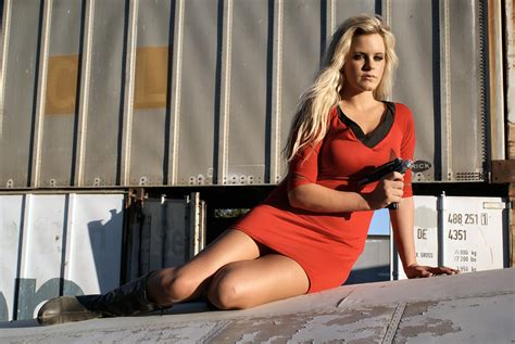 hot chick from star trek into darkness hottest chick in star trek series page 2