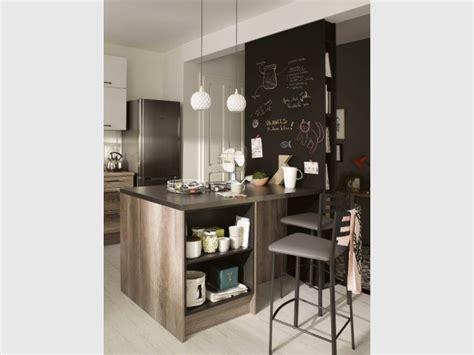 cloison pour cuisine une cloison pour cr 233 er un tableau noir dans la cuisine