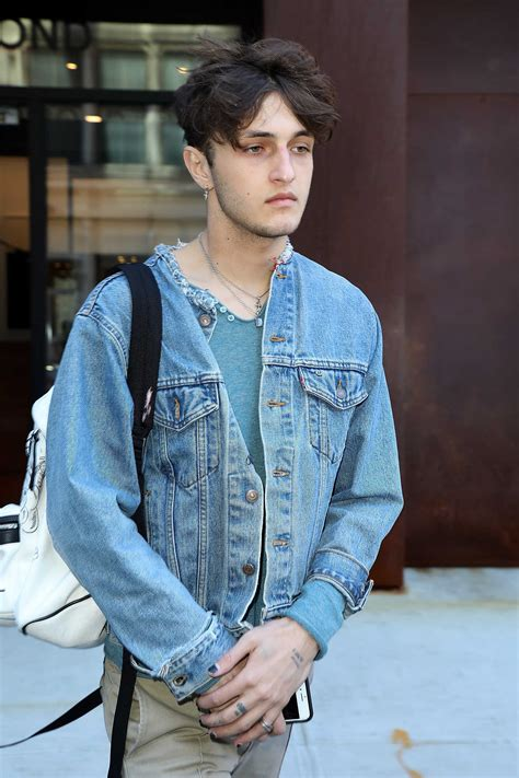 Anwar Hadid Was Spotted Out in New York City – Celeb Donut Colin
