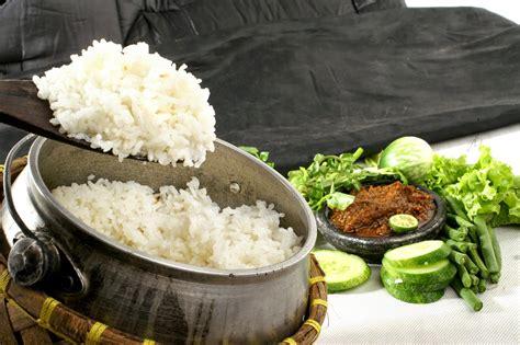 membuat nasi liwet gurih  mudah  membuat