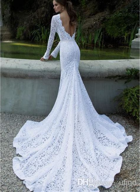 long fitted wedding dress with long train sang maestro