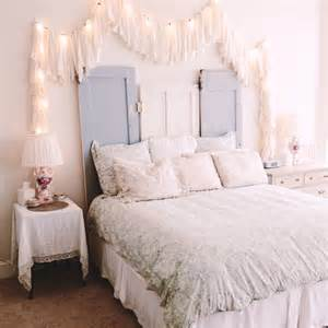 string lights bedroom ideas how to use string lights for your bedroom 32 ideas digsdigs