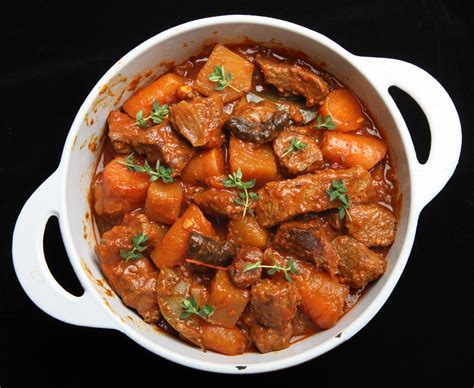 cucinare carne di maiale spezzatino di maiale alla siciliana l idea per cucinare