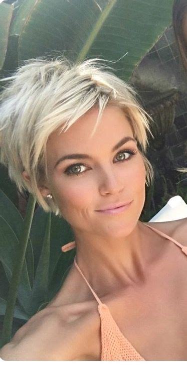 Best 25  Blonde pixie cuts ideas on Pinterest   Blonde