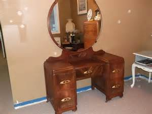Round Mirror Vanity Antique Vanity With Round Mirror Central Nanaimo Nanaimo