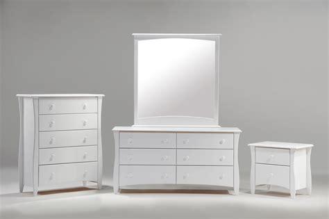 white furniture shades in white furniture blogbeen