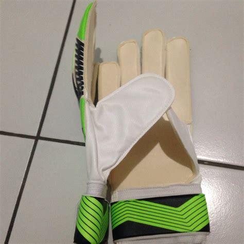 Jual Sarung Tangan Kiper Adidas Predator jual sarung tangan kiper adidas predator hijau