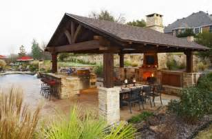 Awesome Fabriquer Un Barbecue En Pierre #11: Outdoor-kitchen-with-roof.jpg