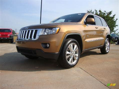 bronze jeep 2011 bronze star pearl jeep grand cherokee laredo x 70th