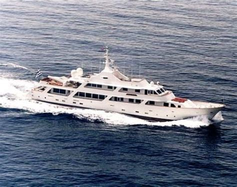 charter boat wolf rock blockbusting boats the best yachts from hollywood films