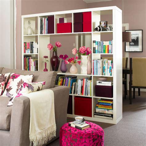 regal raum stilvolle moderne raumteiler definieren den wohnbereich
