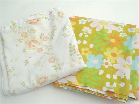 Vintage Bed Sheets by Vintage Bed Sheets Lot 60s 70s 80s Flower Print Fabric In