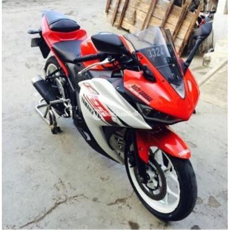 warna thn 2015 yamaha r25 warna merah putih tahun 2015 plat d modifikai