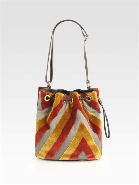 marc by marc regine velvet drawstring bag in
