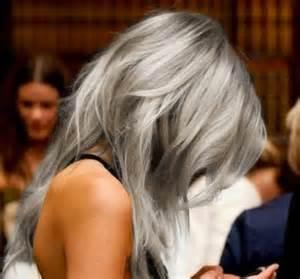 Graue Haare Der Neue Trend Archzine Net