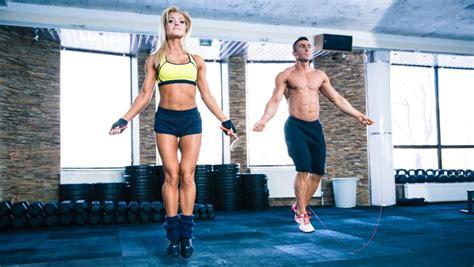 roeien en afvallen touwtjespringen afvallen afslanken gewicht verliezen