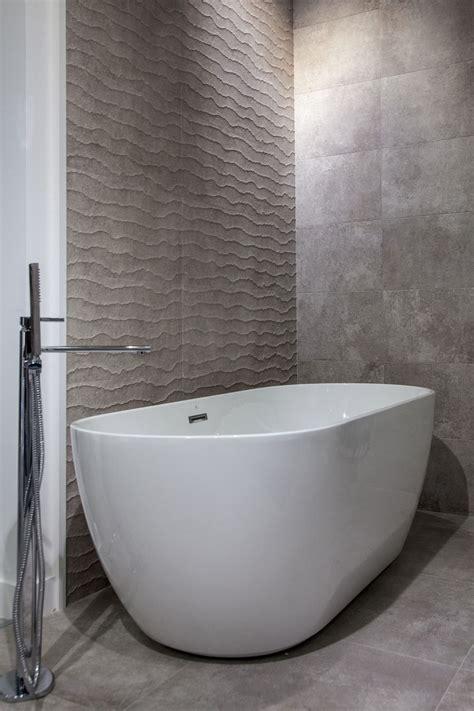 Soaking Bathtubs by Modern Bathroom Designs Yield Big Returns In Comfort And
