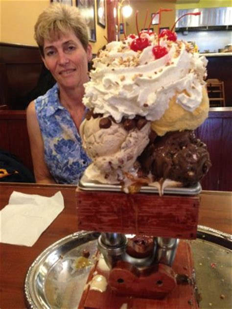 Sf Creamery Kitchen Sink Out Side Picture Of San Francisco Creamery Co Walnut Creek Tripadvisor