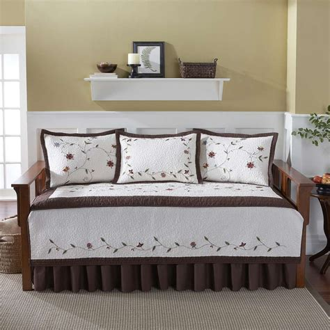 Day Bed Covers : Contemporary Bedroom with Red Foam Daybed