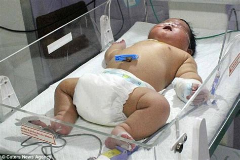 biggest baby in the world unbred all the way indian mother gives birth naturally to a boy weighing more