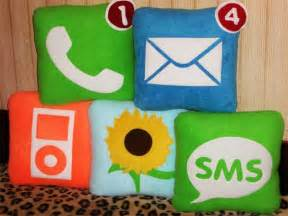 submarine 10 geeky pillow designs