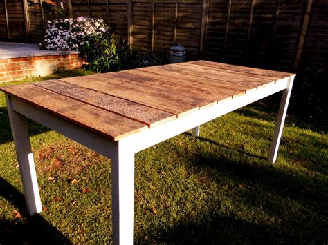 Tips For Making Your Own Outdoor Furniture Wooden Tables Patio Table Diy