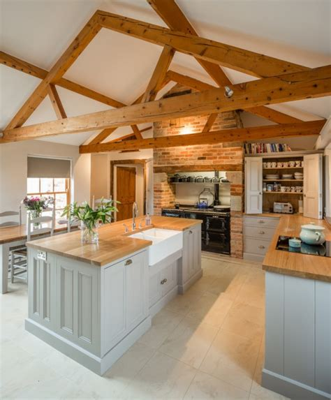 barn kitchen ideas 10 warm farmhouse kitchen designs youramazingplaces