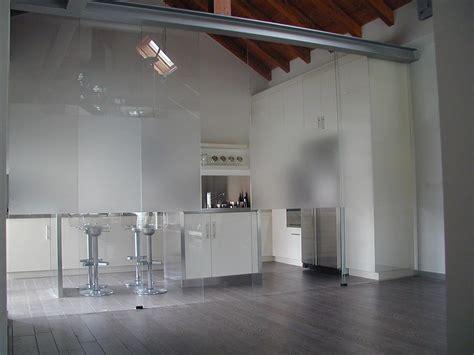 pareti di vetro per interni dividi gli spazi di casa con pareti divisorie in vetro