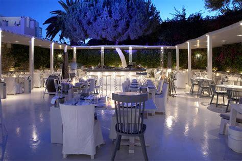 interni mykonos interni restaurant mykonos hip restaurant bar greece
