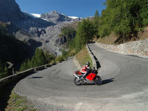 Motorrad Routenplaner Tirol by Mitf 252 Hrpflichten F 252 R Motorradfahrer In Europa 214 Amtc