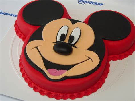 mickey mouse template for cake mickey mouse fondant cake cakecentral