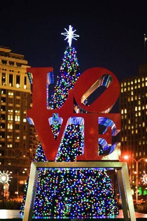 christmas in love park philadelphia travel bucket