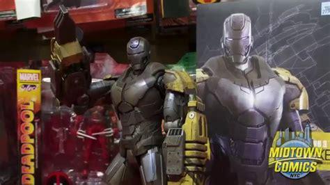 iron man striker hot toys figure unboxing midtown
