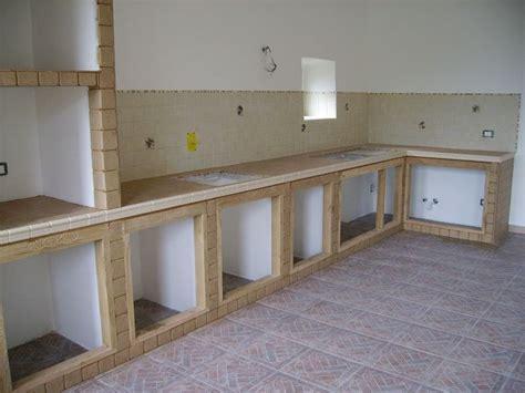 Piastrelle Per Cucina In Muratura - cucina in muratura cucina realizzare una cucina in