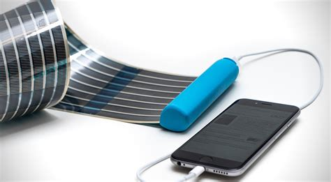 Solar L Charger by Heli On Portable Solar Charger Hiconsumption