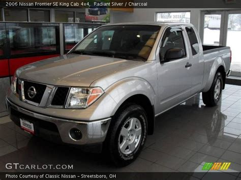 find used 2006 nissan frontier se king cab 4wd damaged salvage low miles priced to sell in radiant silver 2006 nissan frontier se king cab 4x4 charcoal interior gtcarlot com