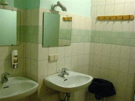 what is a shared bathroom in a hostel 301 moved permanently