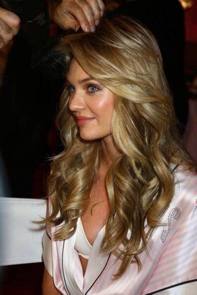victorias secret models hair cuts victoria s secret hair curls waves dark blonde