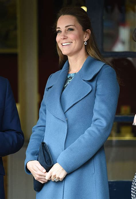 duchess kate shows off her new hairstyle picture the kate middleton hair the duchess of cambridge shows off