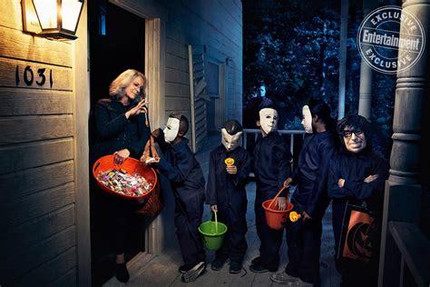 jamie lee curtis halloween costume entertainment weekly shares epic halloween photo shoot