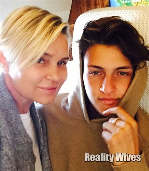 new yolanda yolanda foster is back with a new hairstyle