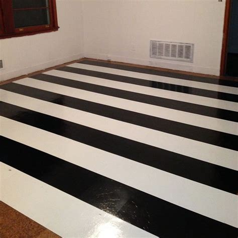 Black And White Vinyl Flooring by 36 Black And White Vinyl Bathroom Floor Tiles Ideas And