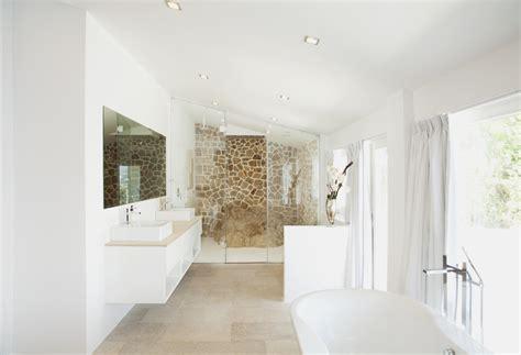 Beau Deco Peinture Salle De Bain #1: peinture-blanche-salle-de-bain.jpg