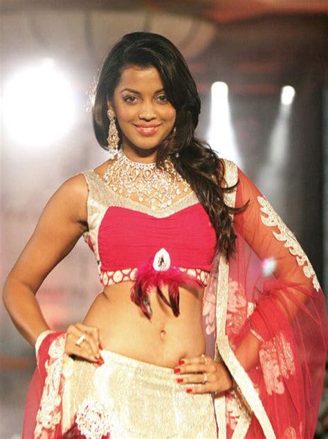 Set India Princess Yasmin indian princess fashion launch 2011