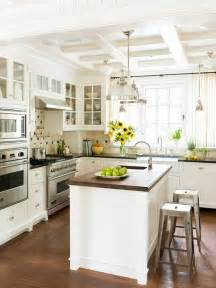traditional kitchen islands traditional kitchen design best ideas about kitchens on