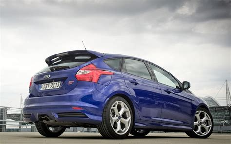 St Blue ford italia discussione ford focus st 2013 1 1